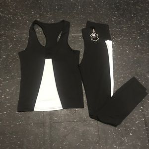 Active wear set black/white